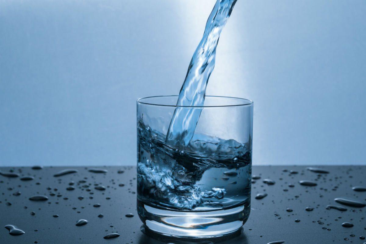 beber água da torneira faz mal