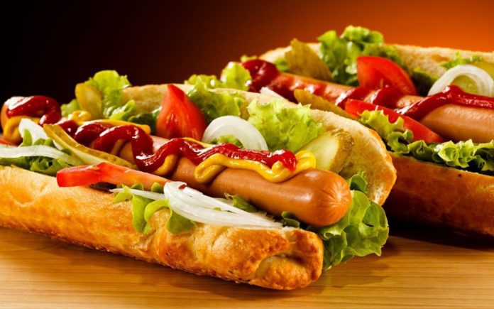 Hoje é dia do Hot Dog: saiba como preparar um delicioso cachorro-quente fitness