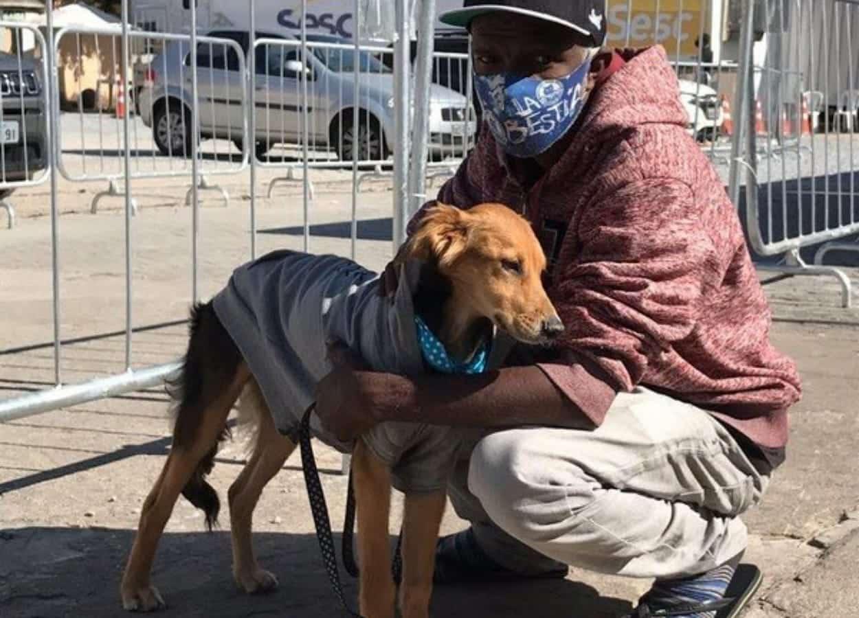 MRSCBeaga tem projeto solidário para animais e tutores que moram na rua