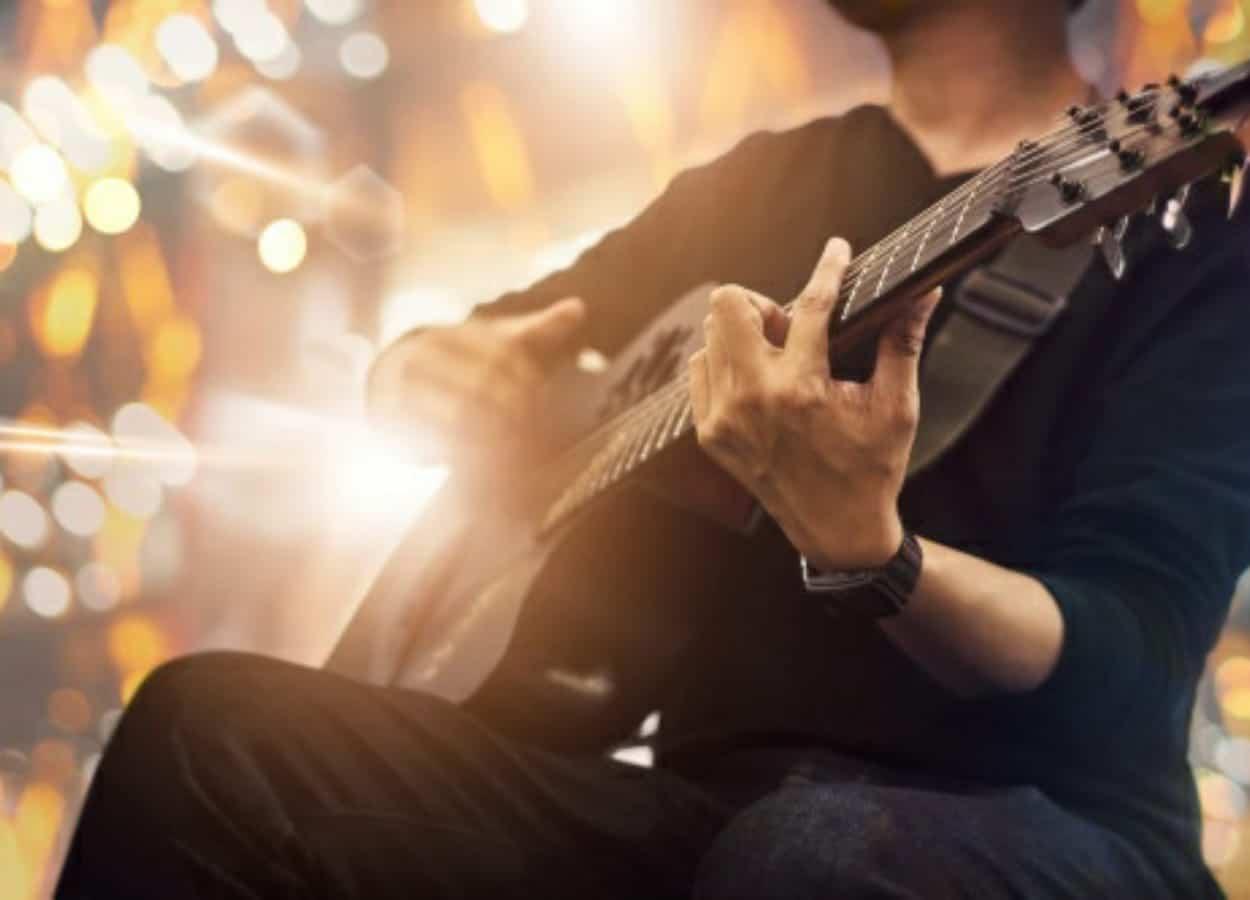 Sindicatos da categoria lamentam a decisão dos artistas não poderem tocar à noite em BH