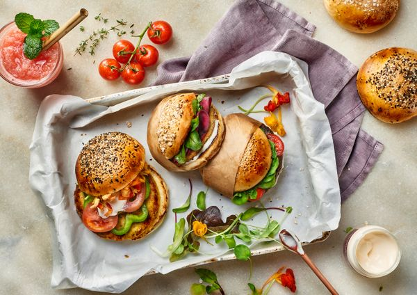 2 opções de hambúrguer vegano para você fazer agora mesmo; veja receitas